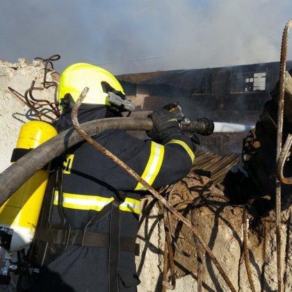 Požár průmyslového objektu - 11. 11. 2018