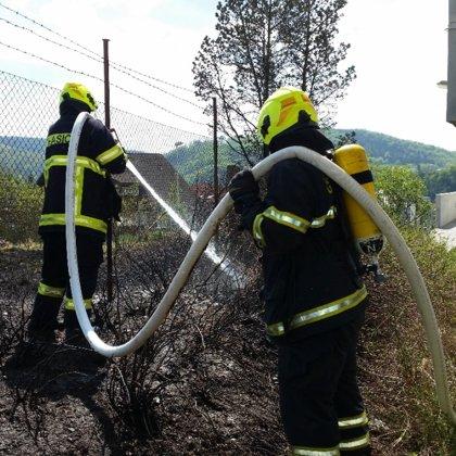 Požár porostu - 25. 4. 2020